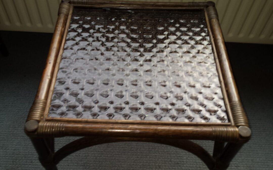 Manou salon tafel