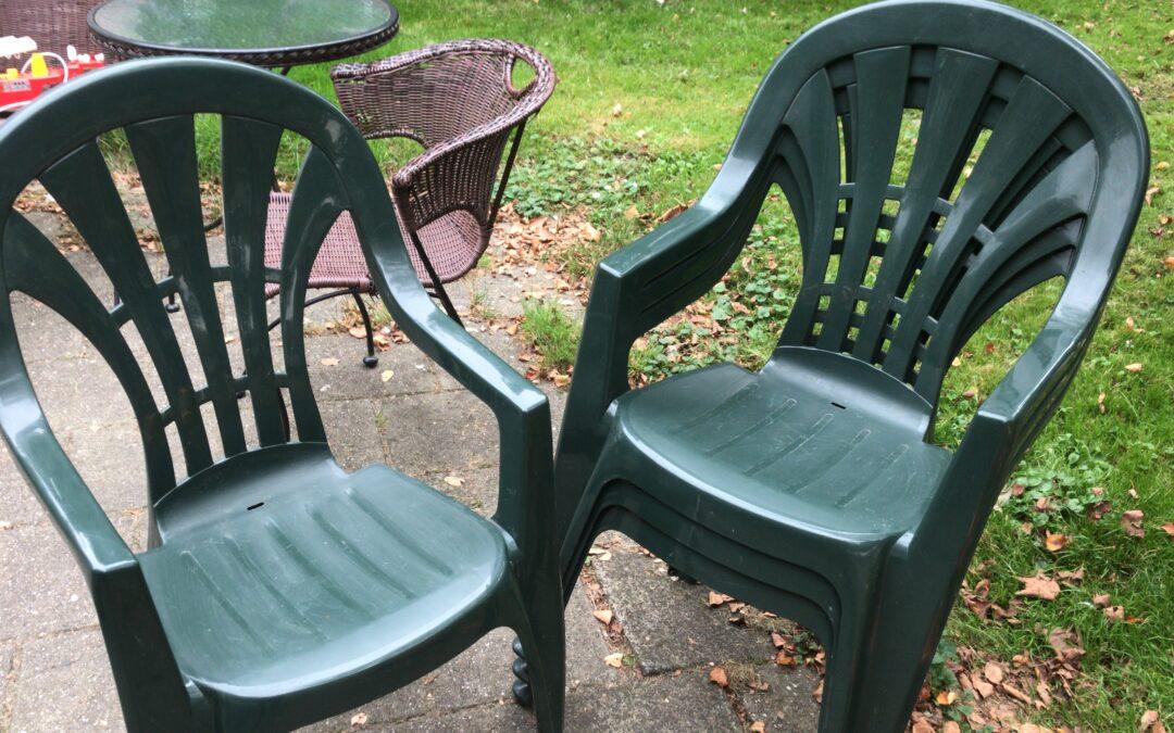 4xstapelstoelen voor de tuin